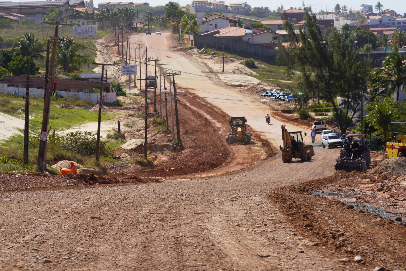Governador inspeciona obra de duplicação da CE-025, que liga Fortaleza a Aquiraz