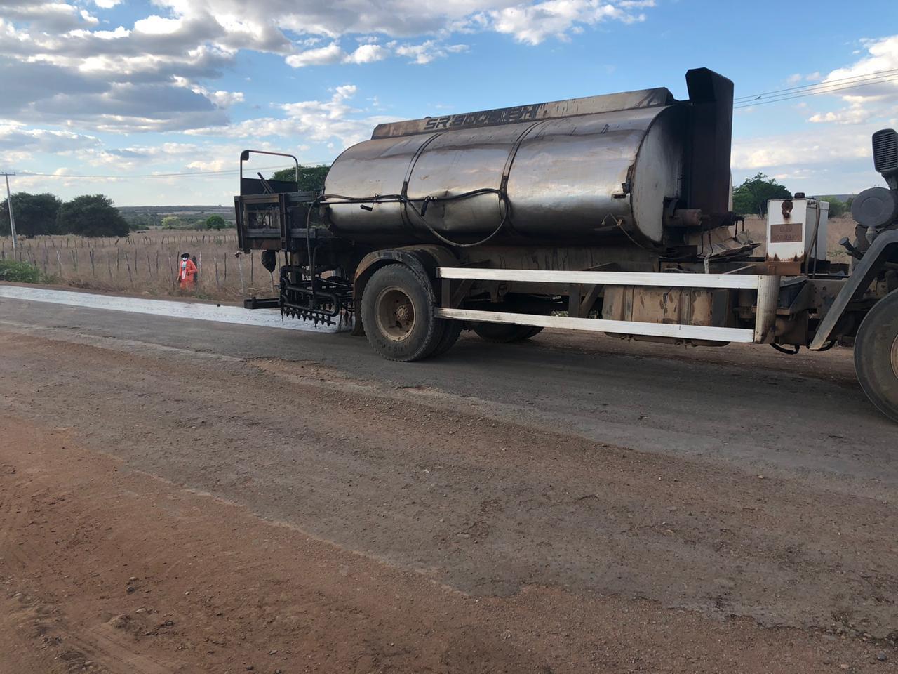 Obras da rodovia que liga Mauriti à Divisa CE/PB está próximo a 80% de apronto